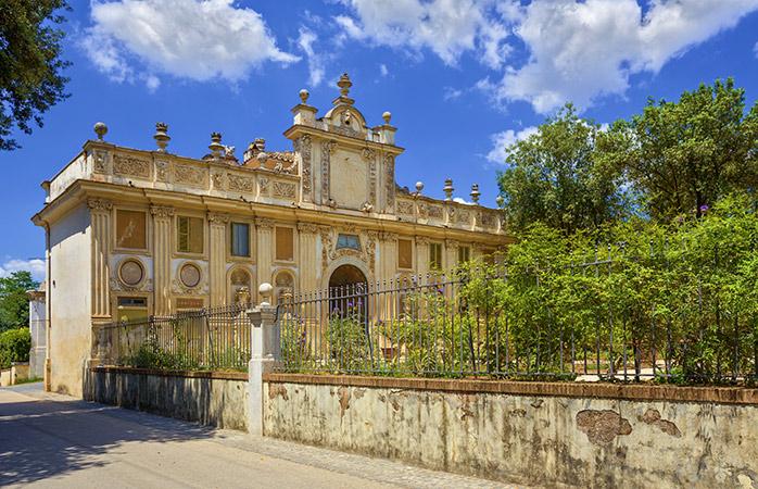 Træd ind i den prægtige Villa Borhese og oplev et af de bedste museer i Rom - Galleri Borghese.