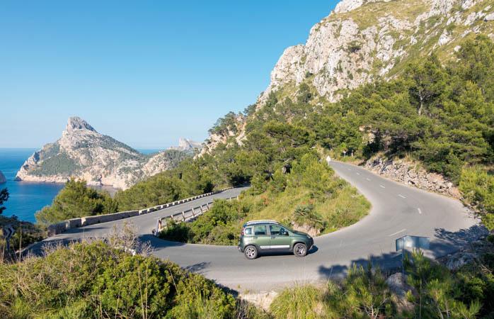 Nogle veje kan være ret så skræmmende … sørg for, at du er godt dækket for en sikkerhedsskyld!