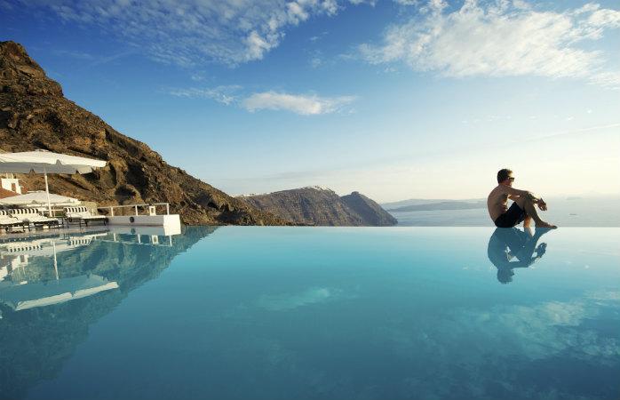 Middelhavets bedste ferieøer Santorini