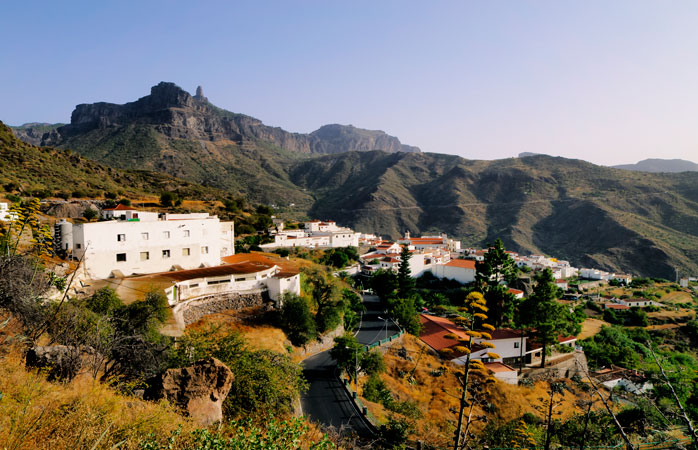 Bjerglandsbyen Tejeda er kendt for sin årlige mandelfestival