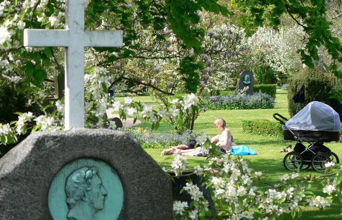 Afslapning på Assistens Kirkegården