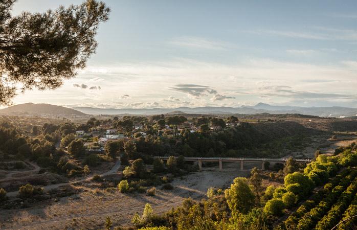 Nyd den storslåede udsigt, når du kører gennem La Rioja, Spaniens berømte vinregion