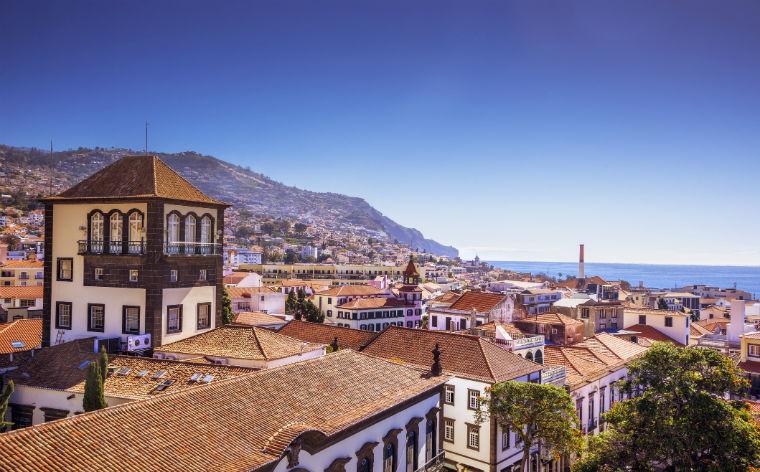 De røde tage i Funchal